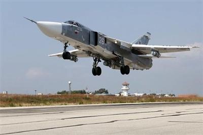 Tiêm kích Su-24 của Nga hoạt động tại Syria. (Ảnh: AMN)