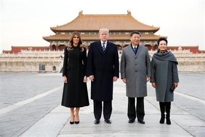Tổng thống Donald Trump và Đệ nhất phu nhân Melania thăm Trung Quốc trong hành trình công du một số nước Đông Bắc Á vào tháng 11/2017. Ảnh: Reuters