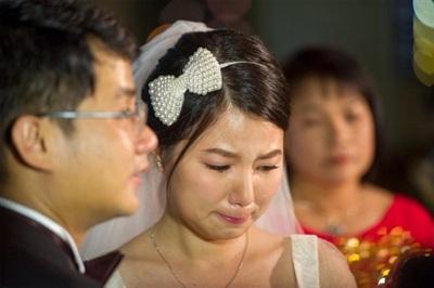 Cô lấy chồng năm 2014. Ông xã hơn Quỳnh Anh 4 tuổi và hoạt động trong lĩnh vực marketing.