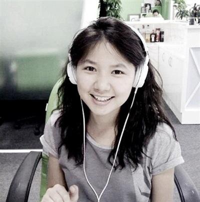 Ngô Quỳnh Anh được xem là thanh xuân của thế hệ 8X bởi giọng hát trong trẻo cùng gương mặt đáng yêu tươi trẻ. Cô cùng với nhóm 'HAT' tạo ra được nhiều hits hợp tai giới trẻ những năm đầu 2000. Tuy nhiên sau đó, Ngô Quỳnh Anh giải nghệ và chuyển hướng sang làm công việc tổ chức sự kiện.