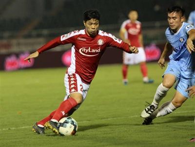 Công Phượng chỉ thi đấu hơn 55 phút trước khi bị thay bằng tiền đạo Nguyễn Xuân Nam