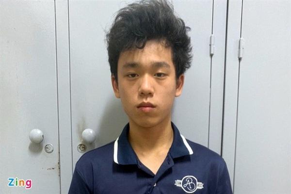 Nguyễn Trần Tuấn Phương sau khi bị bắt. Ảnh: Zing