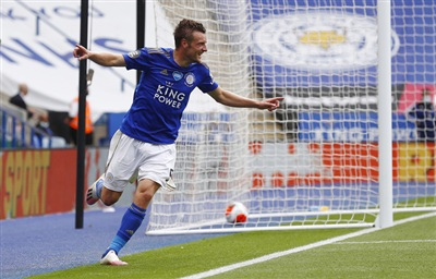 Jamie Vardy là cầu thủ Leicester đầu tiên cán mốc 100 bàn ở Ngoại hạng Anh