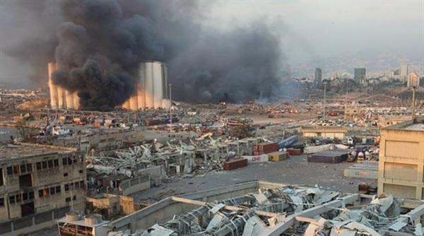 Hiện trường vụ nổ kinh hoàng. Ảnh: Reuters.