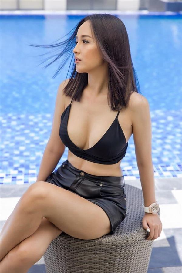 Cô từng tiết lộ con số vòng 1 lên tới 95 cm và nếu như vậy,Mai Phương Thúy chính là Hoa hậu có vòng 1lớn nhất Vbiz.