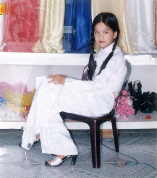Từ khi còn nhỏ, cô bé đã ám ảnh vì cuộc sống đói nghèo.