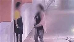 Nam sinh lớp 9 nhảy từ tầng 5 xuống đất sau khi bị mẹ bạt tai điếng người ngay tại trường học