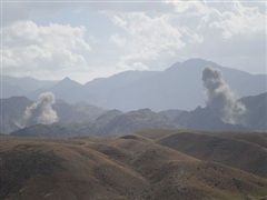 Không quân Afghanistan không kích vị trí của Taliban, 30 người chết
