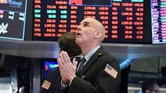 Chứng khoán Mỹ chìm trong biển lửa, Dow Jones có lúc mất gần 1.000 điểm