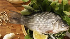 Bí quyết cạo vảy và khử mùi tanh của cá đơn giản nhất