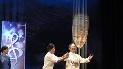 Long Nhật, Quang Tèo đóng vở 'Dưới ánh đèn'