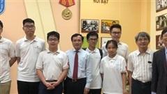 Việt Nam giành 2 Huy chương Vàng Olympic Toán học quốc tế 2020
