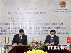 Ký kết biên bản ghi nhớ hợp tác tài chính giữa Việt Nam và Hungary