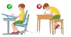 Phòng ngừa cong vẹo cột sống ở trẻ em thế nào?