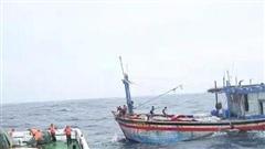 Cứu được 3/26 ngư dân vụ chìm tàu khi đang trên đường về nơi tránh trú bão số 9
