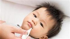 Điều mẹ cần làm ngay khi trẻ bị sốt