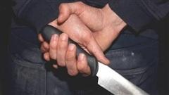 Gà đàn ông truy sát vợ và chị vợ trên cầu ở Hà Nội