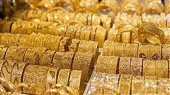 Giá vàng ''bốc hơi'' thêm gần 1 triệu đồng/lượng