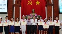 Tiền Giang: Đại biểu Quốc hội gặp gỡ thiếu nhi và tuyên dương giáo viên trẻ tiêu biểu năm 2020