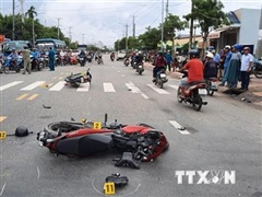 Bình Phước: Xe máy lấn làn đấu đầu xe tải, một người tử vong