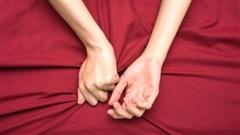 Nam giới nên sửa ngay 4 hành vi khi 'lâm trận' dễ gây tổn thương tới tử cung của chị em phụ nữ