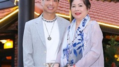 Tuổi 52, Ngọc Sơn quỳ xuống xin lỗi mẹ trong dịp sinh nhật vì lý do đặc biệt