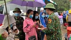 Cách ly 237 sinh viên Lào trở lại Hà Tĩnh học tập