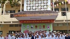 Khám và cấp thuốc cho hơn 700 người có công, đối tượng bảo trợ xã hội tại Hà Trung