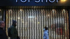 Sự sụp đổ đã được đoán định của Topshop và bài học cho các nhãn hàng thời trang