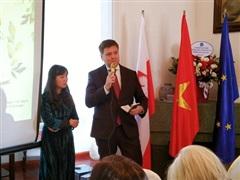 Sách của nhà văn Ba Lan đạt giải Nobel được xuất bản tại Việt Nam