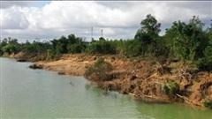 Sạt lở bờ sông ở Quảng Trị ngày càng trầm trọng sau các đợt lũ lụt