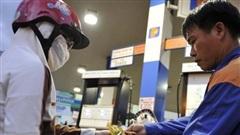 Giá xăng giảm kỷ lục, về mức thấp nhất trong vòng 11 năm
