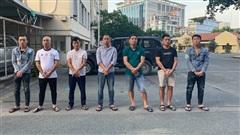 Bản tin cảnh sát: Vợ nghi phạm vụ đại gia bị cướp 35 tỷ đồng trên cao tốc tiết lộ SỐC; Lời khai của kẻ bắn trọng thương ca sĩ trong đêm ở Hà Nội