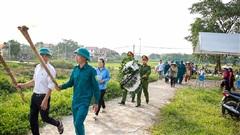 Chính quyền cùng tổ chức đám tang bé trai bị bỏ rơi ở hố ga: Mộ em sẽ được đặt về hướng nam, nơi có cánh đồng xanh mát bình yên...