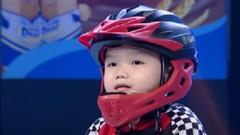 Cậu bé 5 tuổi với màn đối đáp 'xoắn não' khiến cả trường quay cười không ngớt