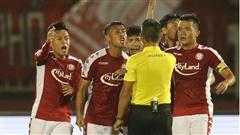 Thể thao nổi bật 25/7: Đang có cửa vô địch V.League, đội top 3 đẩy 3 trụ cột về đá cho đội áp chót; TP.HCM gửi đơn đòi thay Trưởng Ban trọng tài