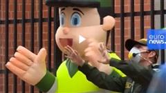 Điệu nhảy Zumba siêu dễ thương của lực lượng cảnh sát Columbia mùa Covid-19