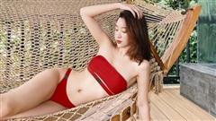 Đỗ Mỹ Linh hiếm hoi diện bikini nhỏ xíu táo bạo thế này, khoe body 'nức nở' chẳng kém cạnh mỹ nhân nào