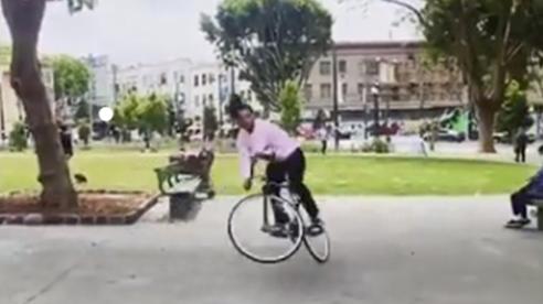 Hài thể thao: Chiếc xe đạp hư hỏng