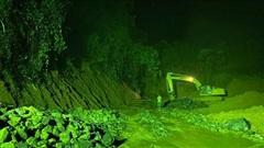 Xuyên đêm đào núi mở đường vào điểm sạt lở vùi lấp 22 cán bộ, chiến sĩ
