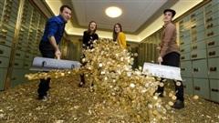 Chuyện lạ: Ở đất nước này, gửi tiền không có lãi mà còn mất tiền thêm, tại sao tỷ phú đua nhau gửi?