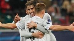 Cú volley đẳng cấp giúp Bayern Munich nối dài kỷ lục thắng ở Champions League