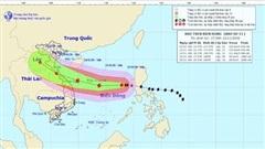 Bão số 13 dự báo sẽ đi vào đất liền các tỉnh Hà Tĩnh - Thừa Thiên Huế và suy yếu dần