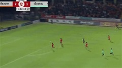 Văn Lâm thoát bàn thua theo cách hy hữu ở 'trận cầu ô nhục nhất lịch sử Thai League'