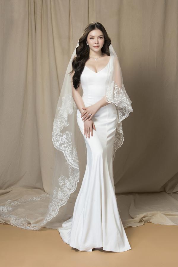 Trên trang cá nhân, đôi lần Lý Nhã Kỳ 'nhá hàng' hình ảnh nhẫn kim cương trị giá 60 tỷ đồngkhiến nhiều fan loan tin đồn cô sắp kết hôn.