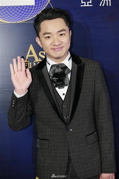 Yoona đẹp mong manh như thiên thần giữa dàn sao Hoa ngữ tạiAsian Film Awards 10