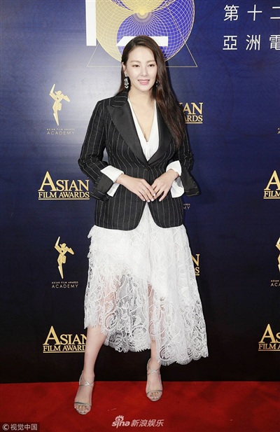 Yoona đẹp mong manh như thiên thần giữa dàn sao Hoa ngữ tạiAsian Film Awards 6