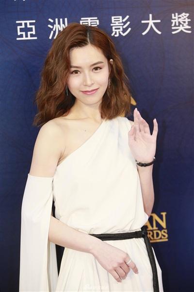 Yoona đẹp mong manh như thiên thần giữa dàn sao Hoa ngữ tạiAsian Film Awards 8