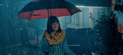 Ngây ngất vì yêu, Hoàng Yến Chibi dầm mưa hát quên đường về 1