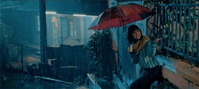Ngây ngất vì yêu, Hoàng Yến Chibi dầm mưa hát quên đường về 2